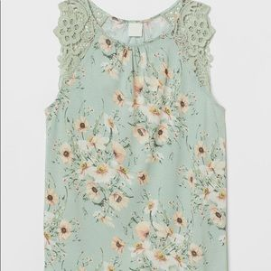 🌹H&M Floral Lace Top Mint Green